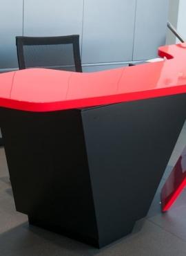 04-mc-desk